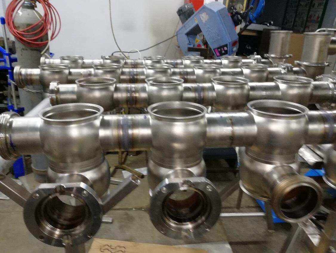 производство нестандартных и стандартных конструкций из нержавеющей стали
