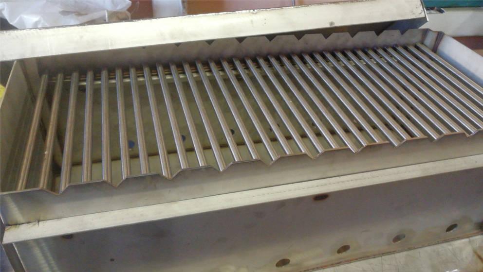 производству из нержавеющей стали нестандартных металлоконструкций из нержавейки.