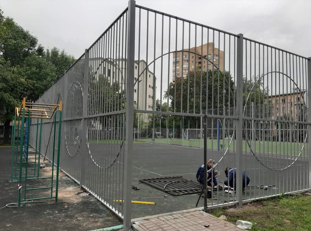 Металлоконструкции из нержавеющей стали. забор